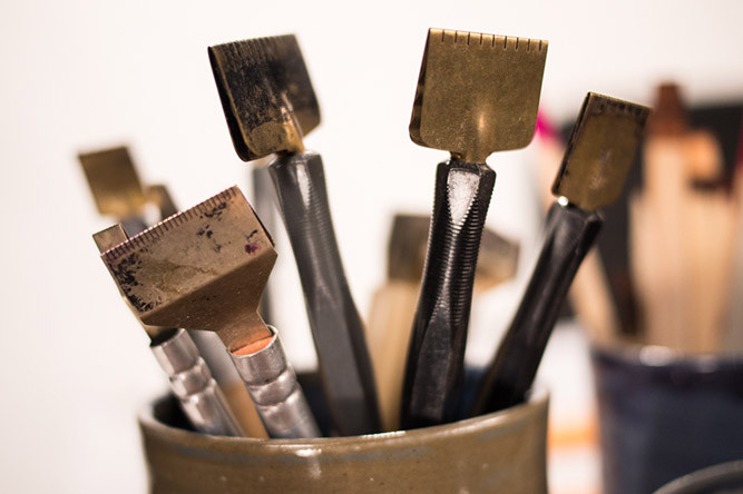 Les outils du calligraphe. Photo Jessica Bordeau