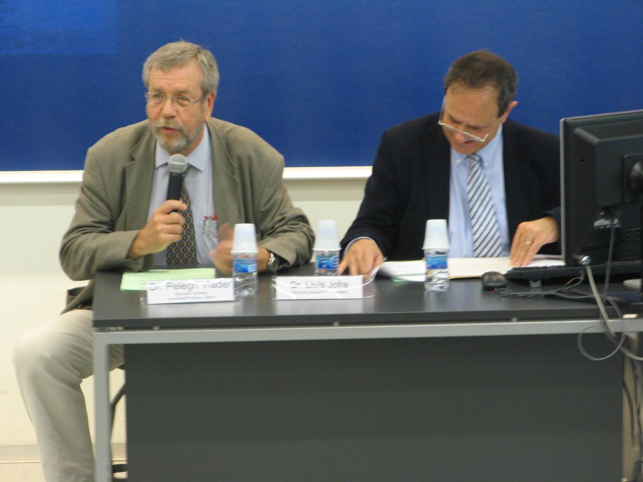 El Dr Lluís Jofre, Director general d'Universitats, va inauguar l'acte acompanyat del Dr Pelegrí Viader, Secretari general de la UPF