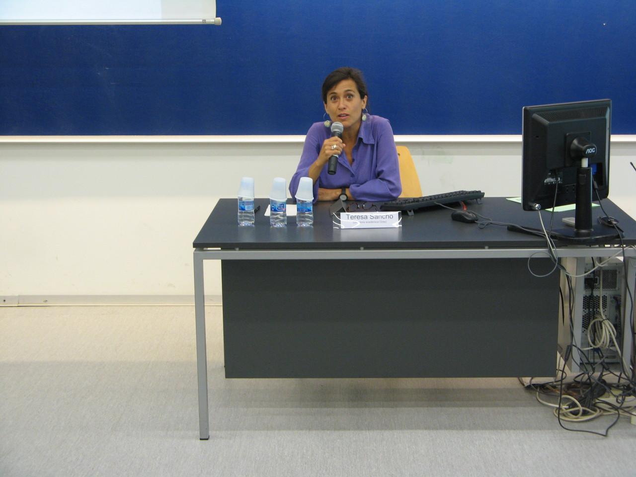 """Teresa Sancho, directora acadèmica de Cirax, va presentar el programa """"Col·laboratori interuniversitari de recursos d'aprenentatge en xarxa"""""""