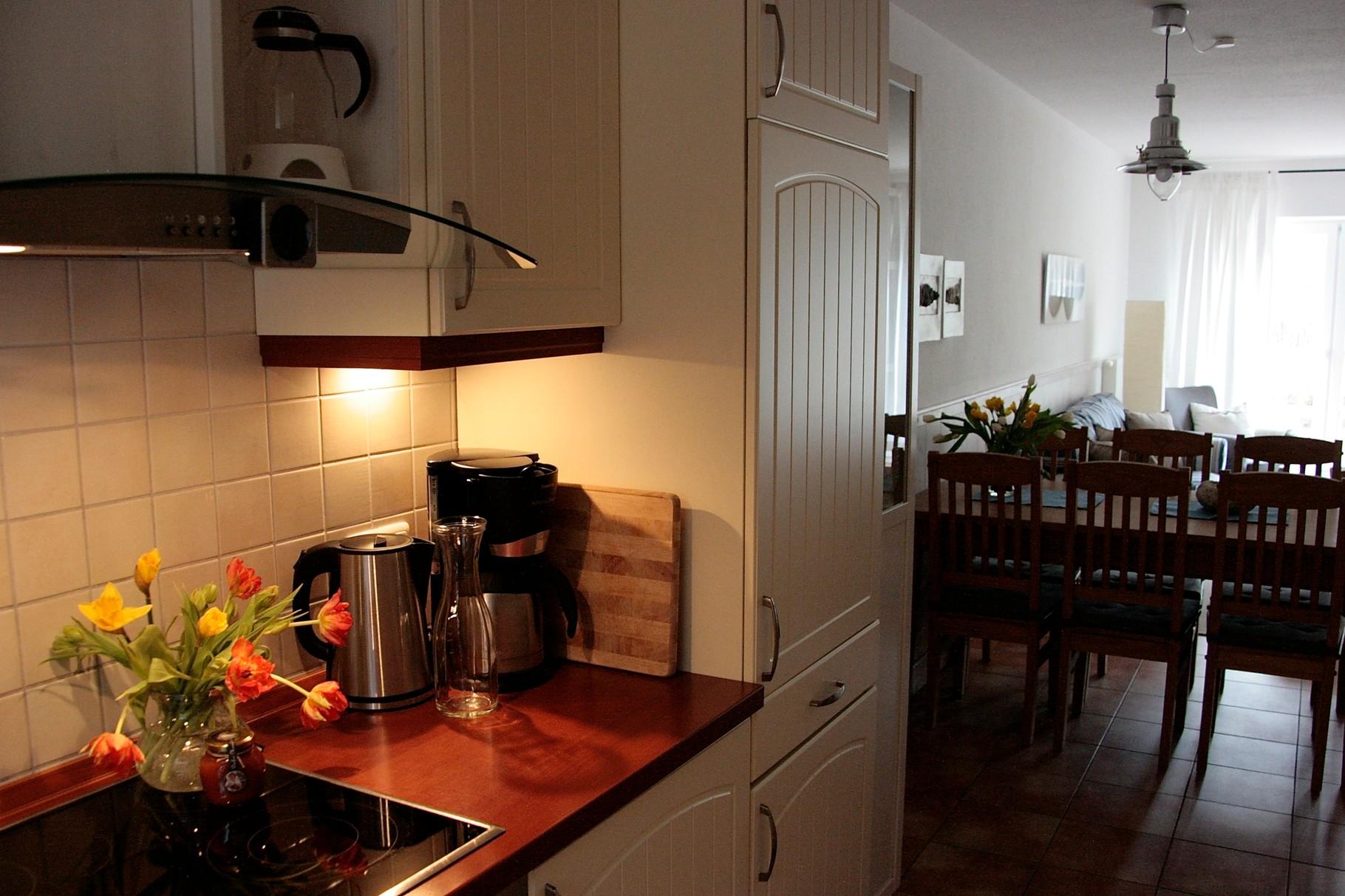Küche auch mit Spülmaschine und WaschTrockner