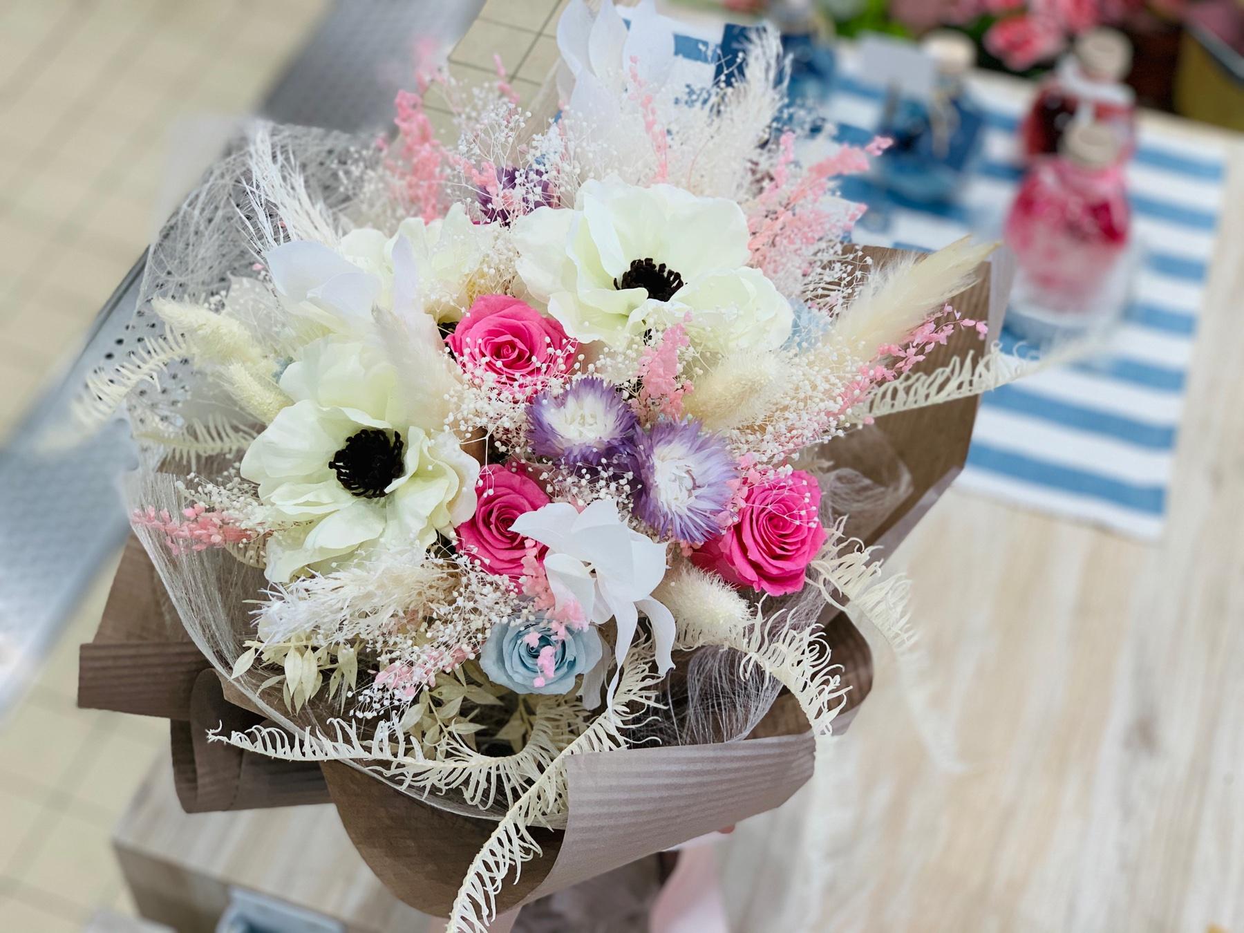 ①プリザーブドフラワーの花束 ピンクミックス