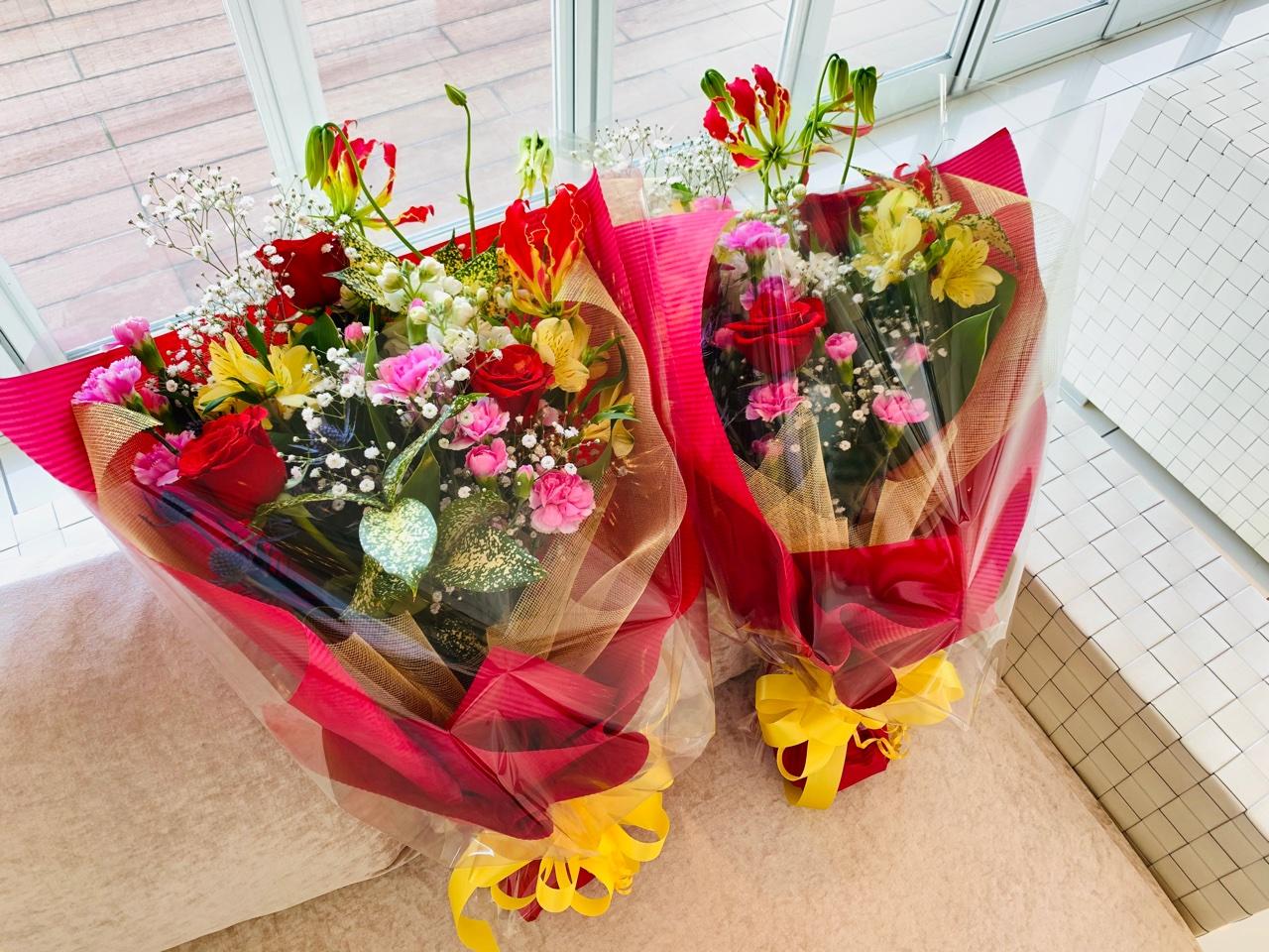 ②御祝や送別、華やかな場で贈る豪華な花束