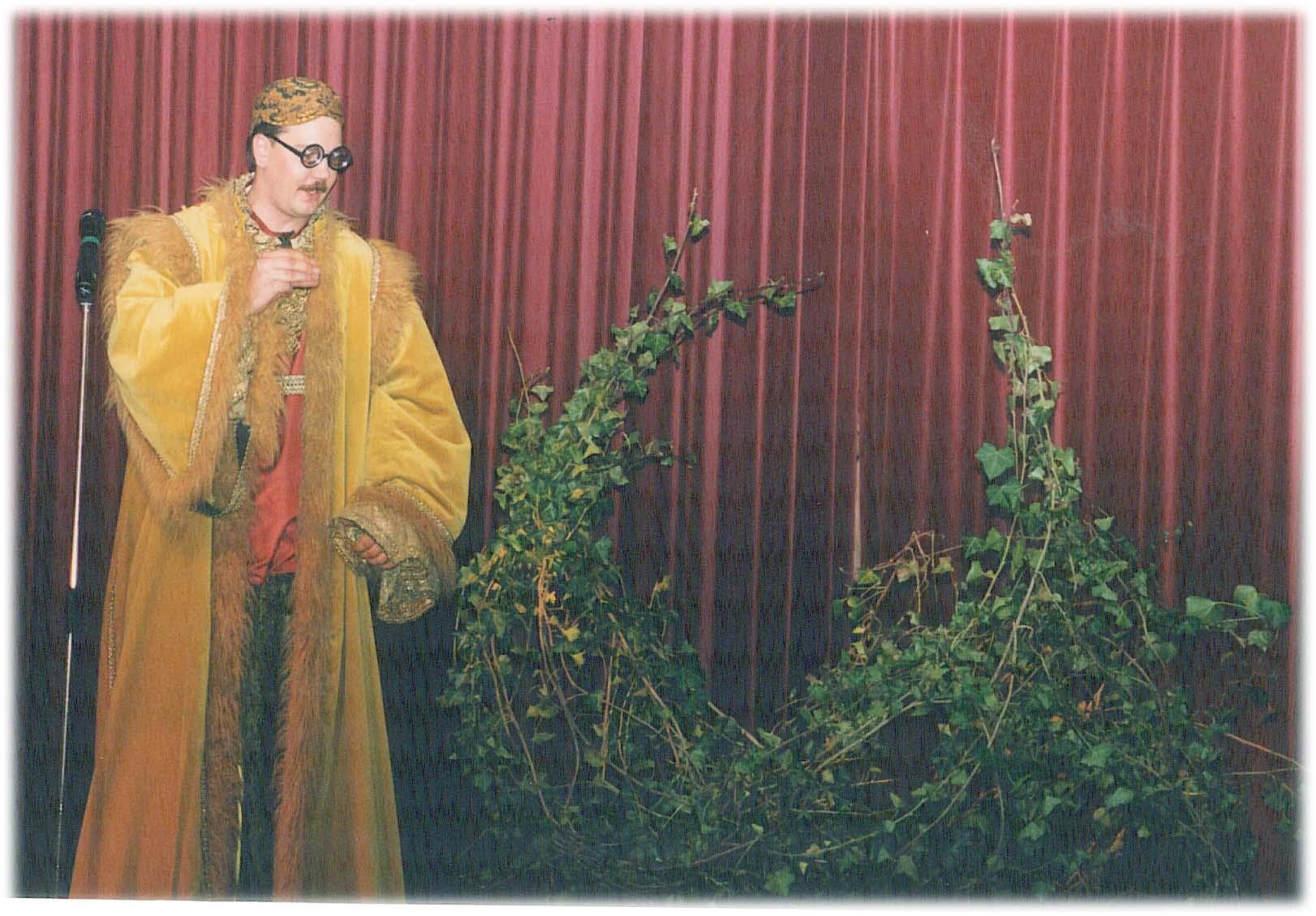 Henri Langens als Roesta Rostelli