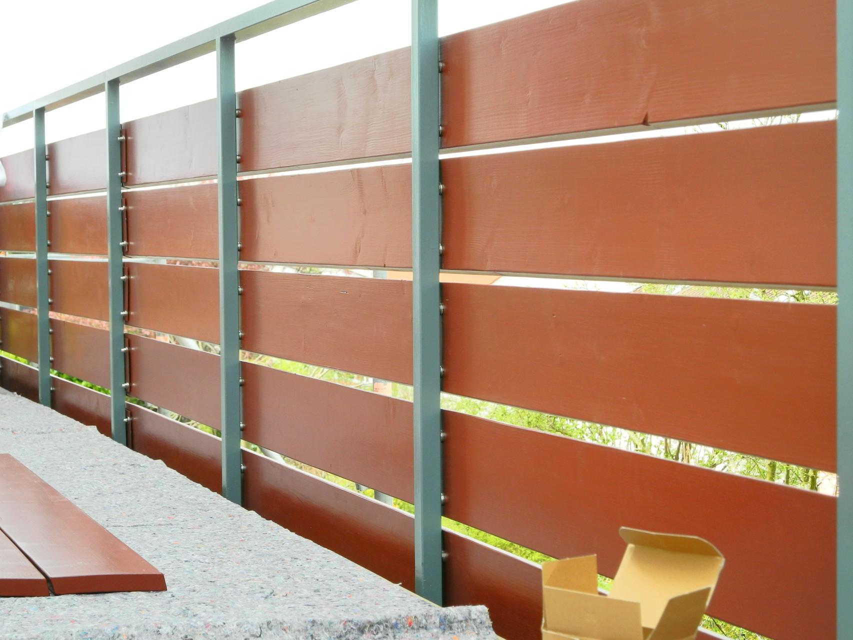 Neue Balkonbretter an bestehender Konstruktion