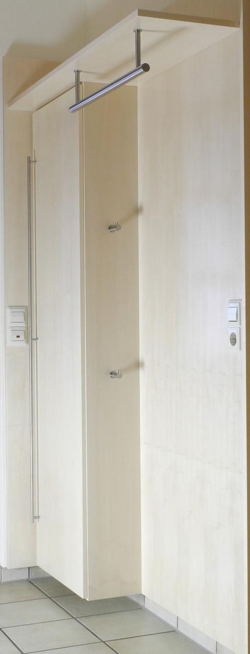 Wandhängende Garderobe