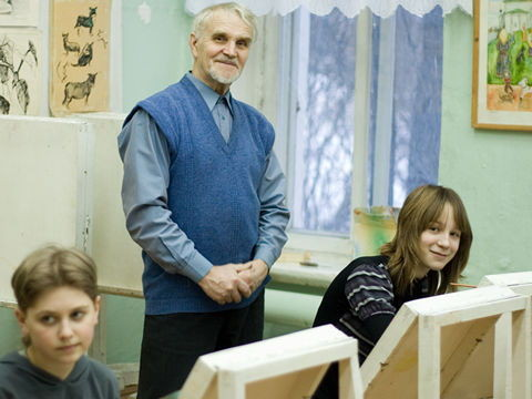 Г.А. Кулишов с учениками в худ. школе, Каргополь (G. Kulishov and his students in the classroom of the art school. Kargopol)