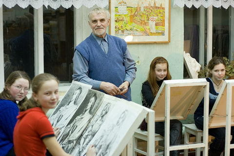 Г.А. Кулишов на занятиях в худ. школе, Каргополь (G. Kulishov at the lesson in the art school. Kargopol)