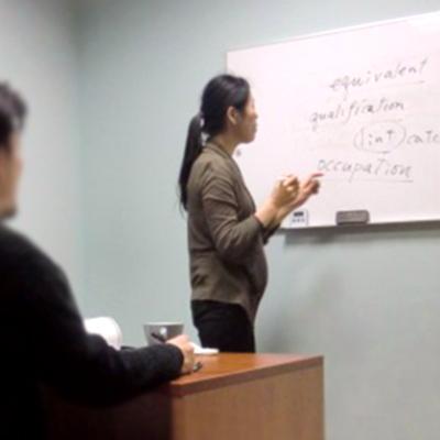 バイリンガル講師が熱心なレッスンをご提供