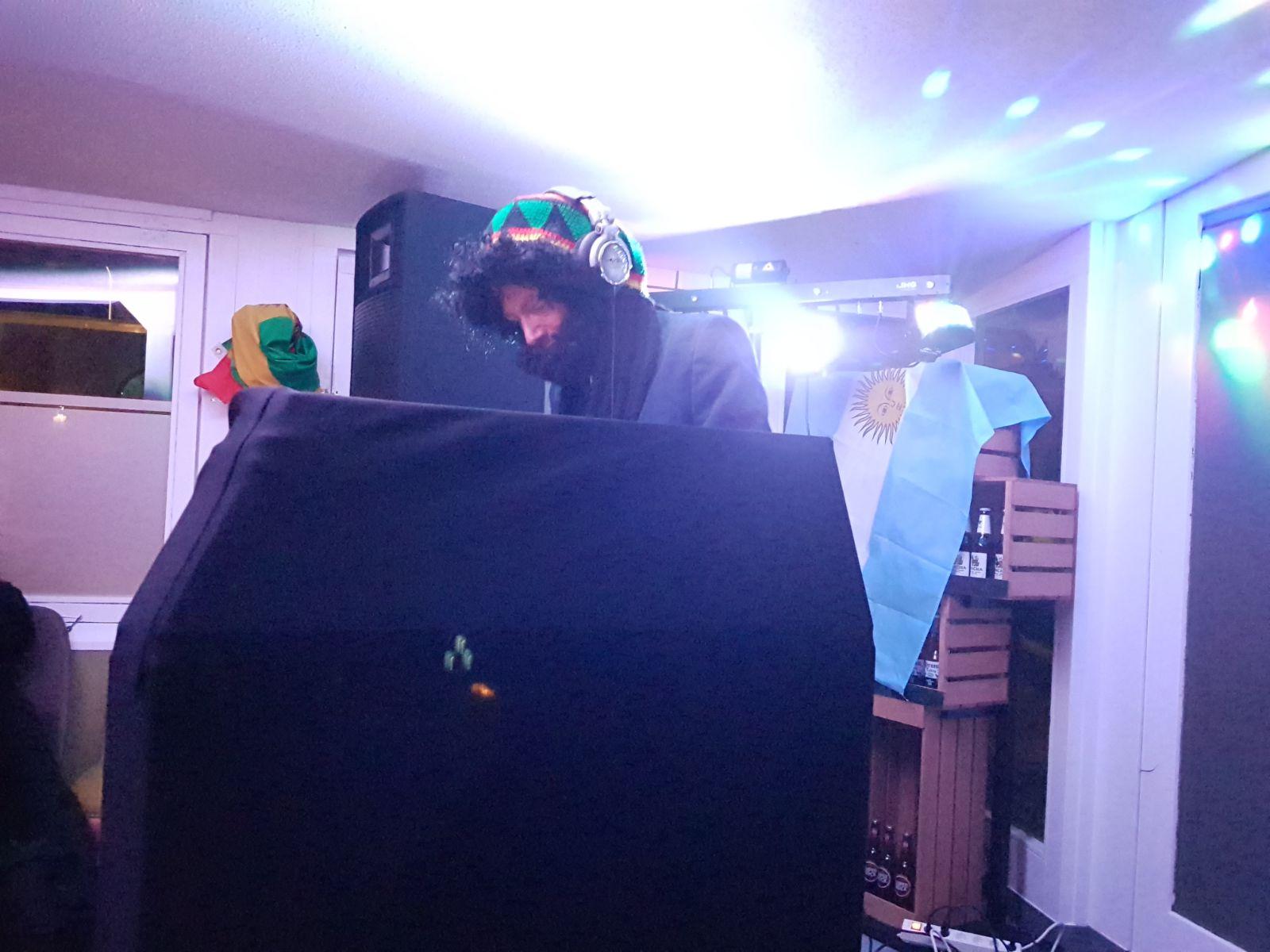 DJ DLine