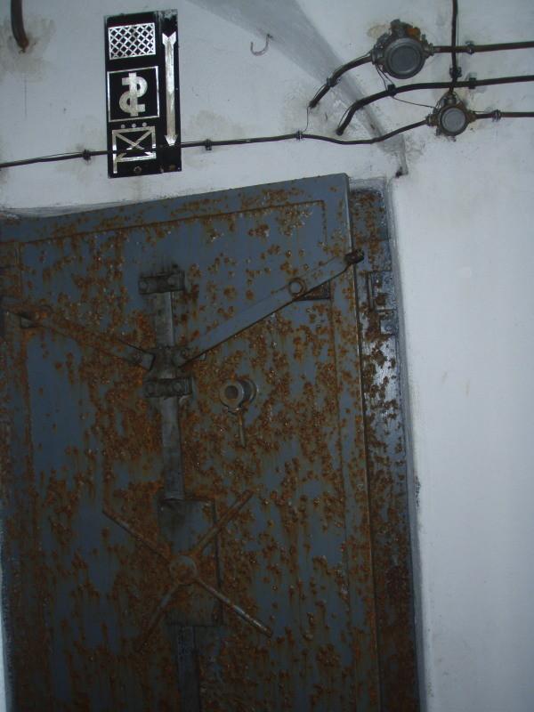 prima porta della camera di compensazione - vista da fuori
