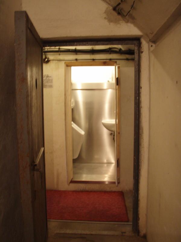 Sicht vom Inneren auf die Toilette 2