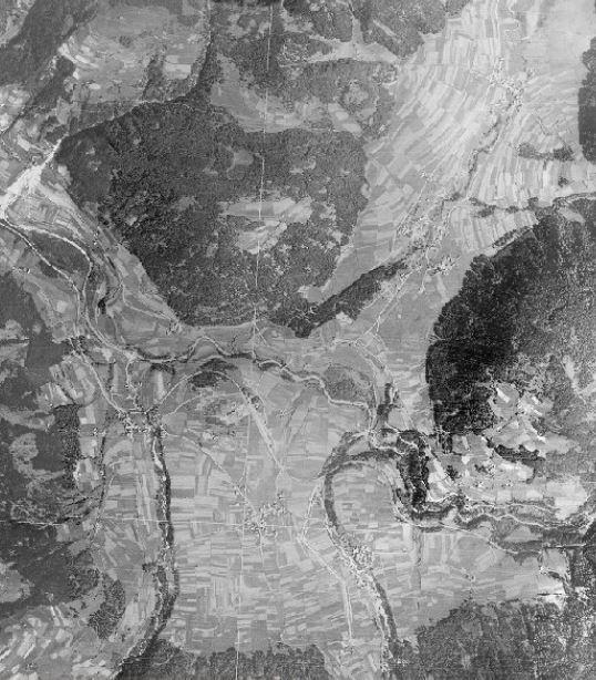 foto aereo 1945 Valdaora Rasun - la diga non è ancora costruita