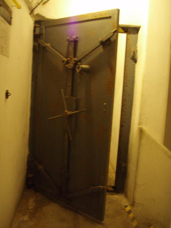 seconda porta della camera di compensazione - vista dall'interno