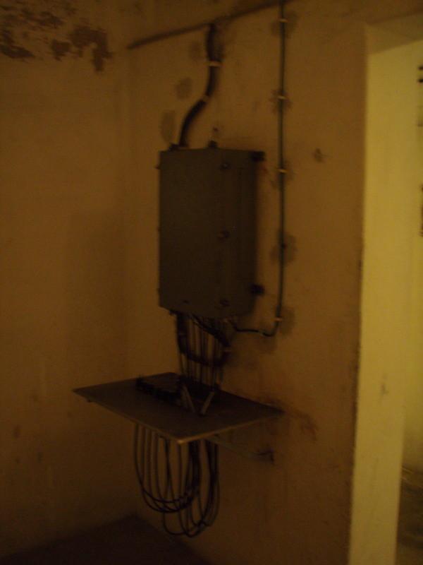 centralino di comunicazione per l'esterno e le postazioni più importanti all'interno del bunker