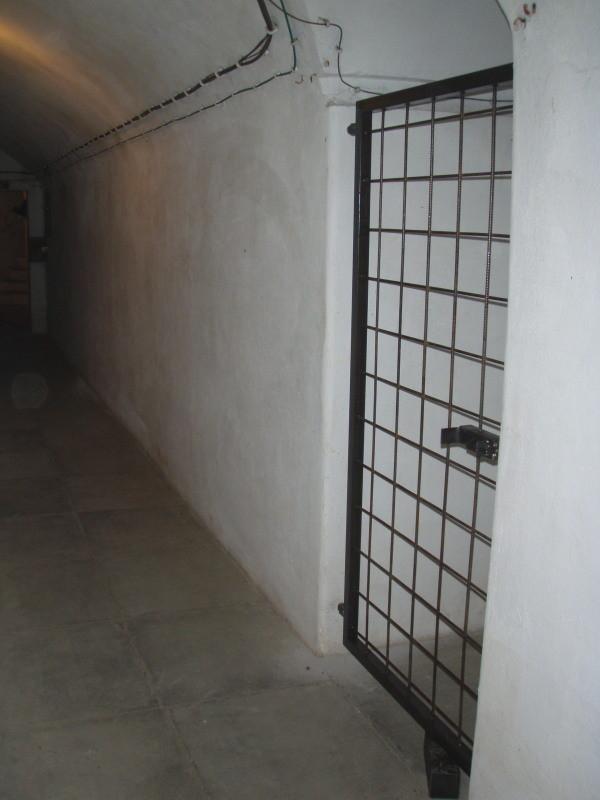 ingresso alla camera di tiro n° 1 (chiusa a cancello durante i lavori di risanamento)