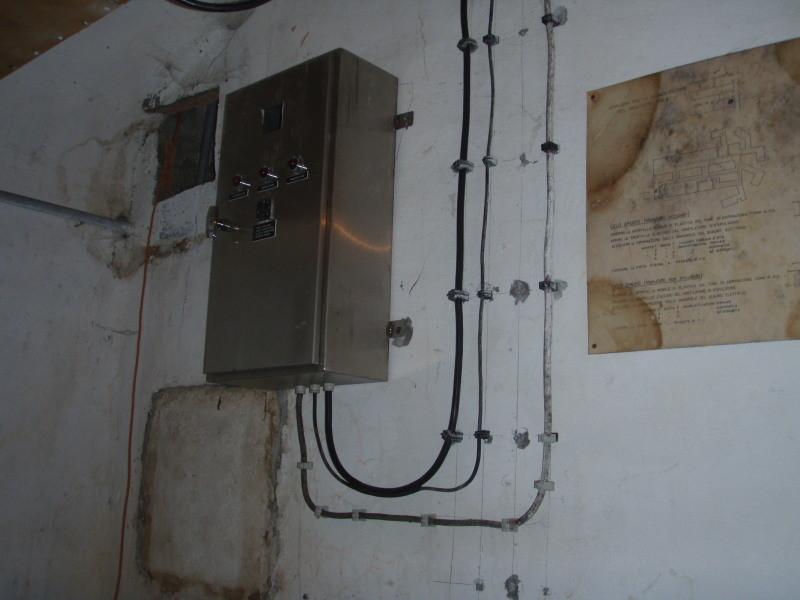 Quadro di manovra per l'impianto d'aerazione, deumidificazione e raffreddamento con manuale d'uso - originale