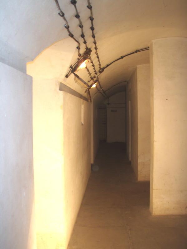 corridoio vicinale senza le tubazioni d'aerazione - si vede bene l'ambiente a volta
