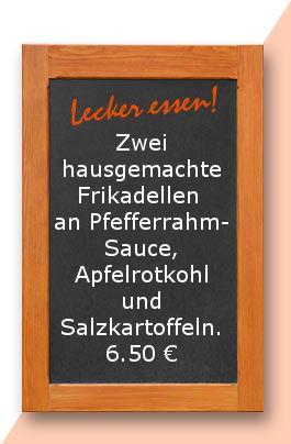 Mittagstisch am Dienstag den 04.04.2017. Zwei hausgemachte Frikadellen an Pfefferrahmsauce, Apfelrotkohl und Salzkartoffeln.