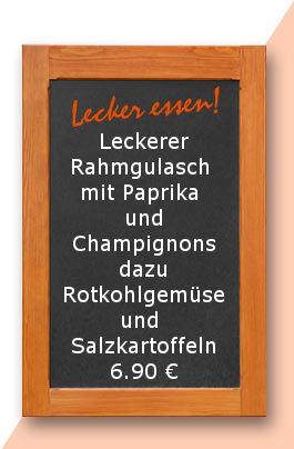 Mittagstisch am Donnerstag den 30.11.2017: Leckerer Rahmgulasch mit Paprika und Champignons dazu Rotkohlgemüse und Salzkartoffeln