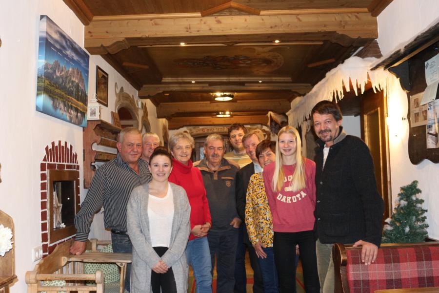 Der neue Vorstand mit den Ehrengästen - Foto: Ch. Stöckl jun.