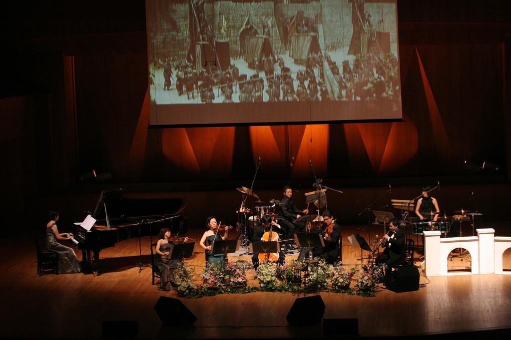 そして、バラダン「新・歴史物語」の演奏。「善徳女王」「イ・サン」等も加わり静〜動、様々な表情をみせた。