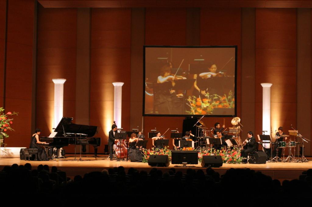 <韓流スターズ ガラ・コンサート2010>はバラダンの「歴史物語」にて華やかに開幕!