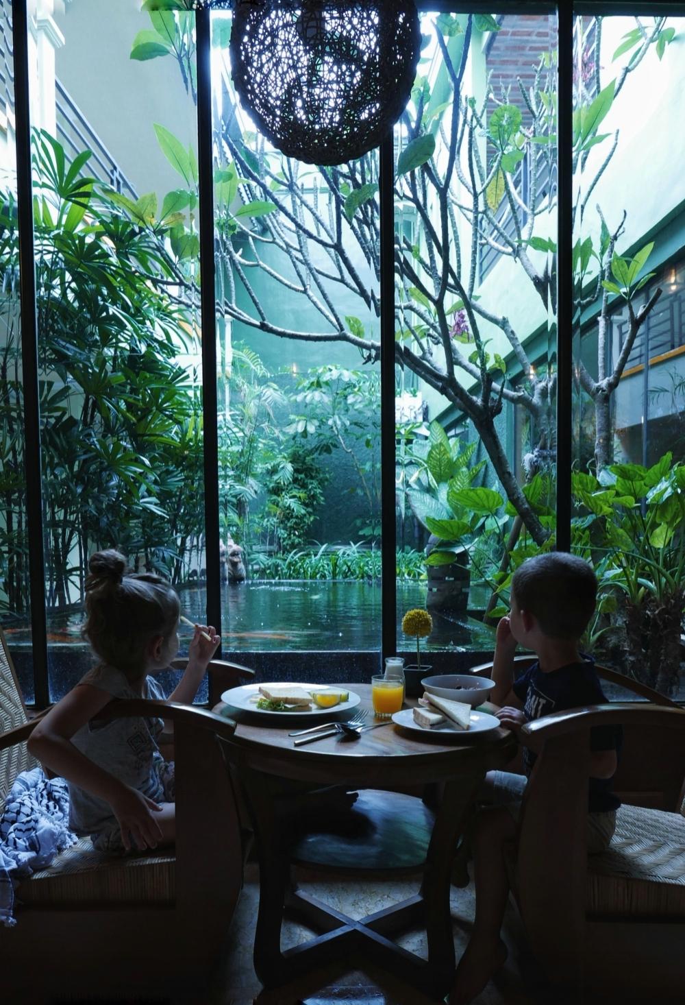 Petit déjeuner, Helios hôtel.