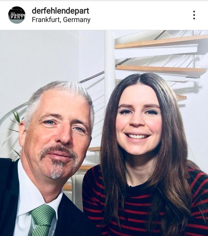 Jasmin Kosubek mit Mr. Dax Dirk Müller