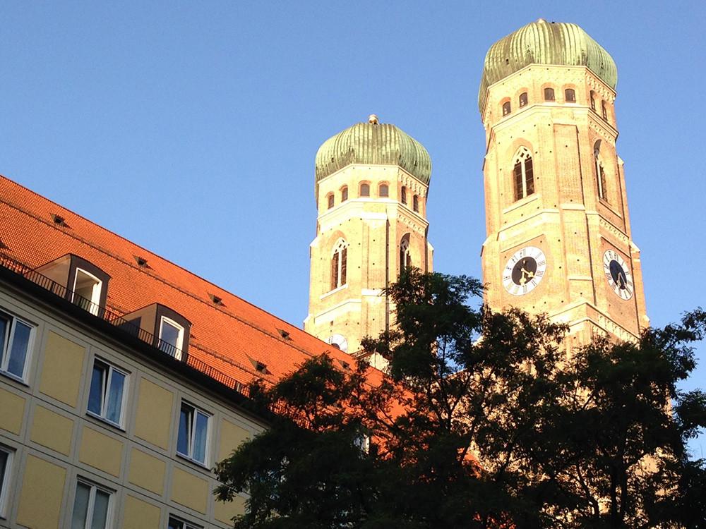 Unsere Praxis liegt in unmittelbarer Nähe der Frauenkirche