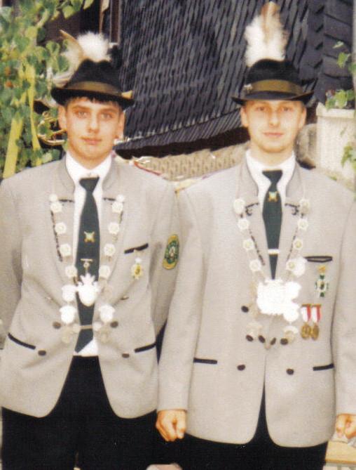 >Schützenkönig 1998:Schützenkönig Ronny Bätz und Jungschützenkönig:  Maik Sperschneider