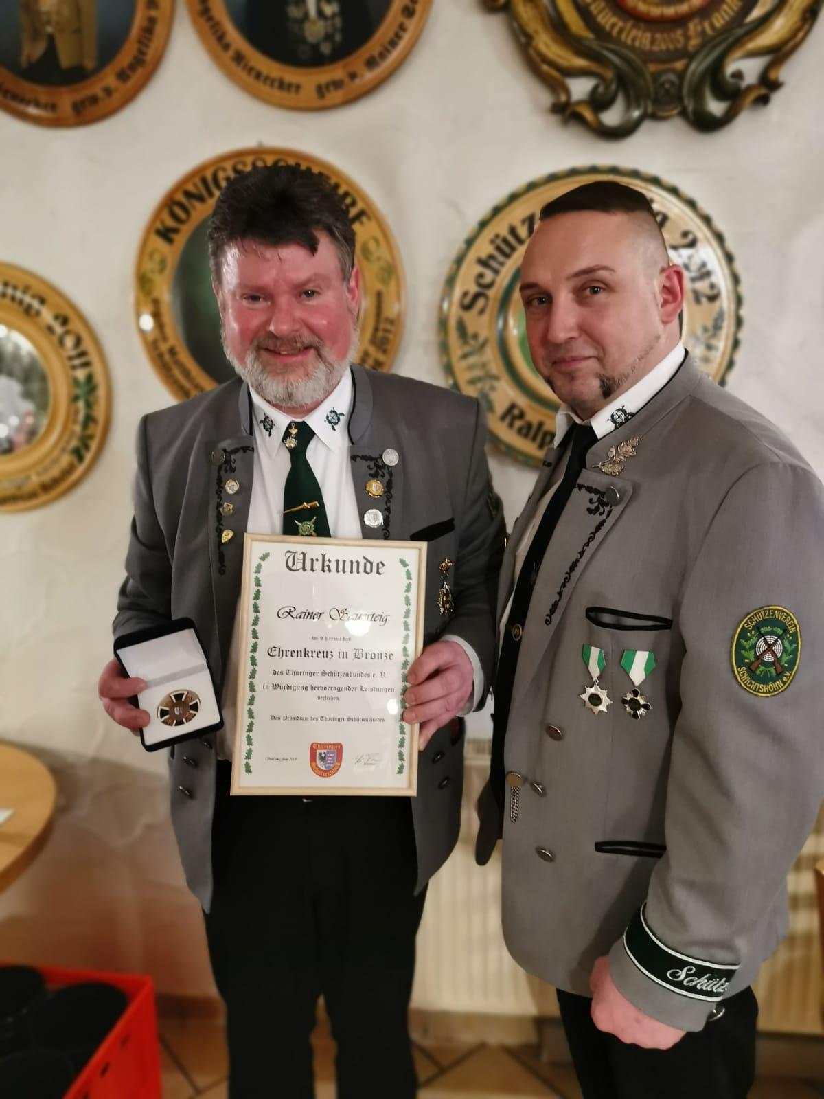 Rainer Sauerteig erhält das Ehrenkreuz des TSB in Bronze!