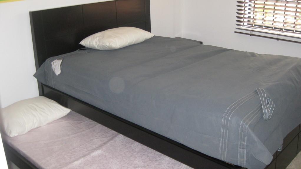 alcoba 1 con cama auxiliar