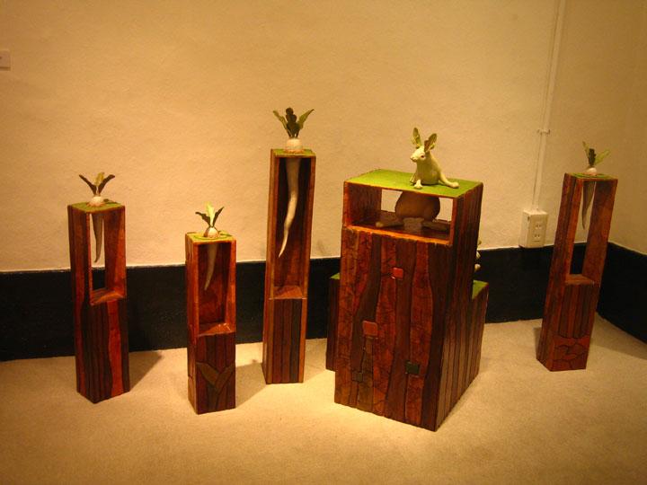 大根畑の進化論 2007 桐塑 石塑 アクリル着彩 木材