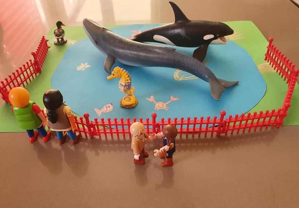 Die Kinder aber rannten schnell weiter zu den Walen.