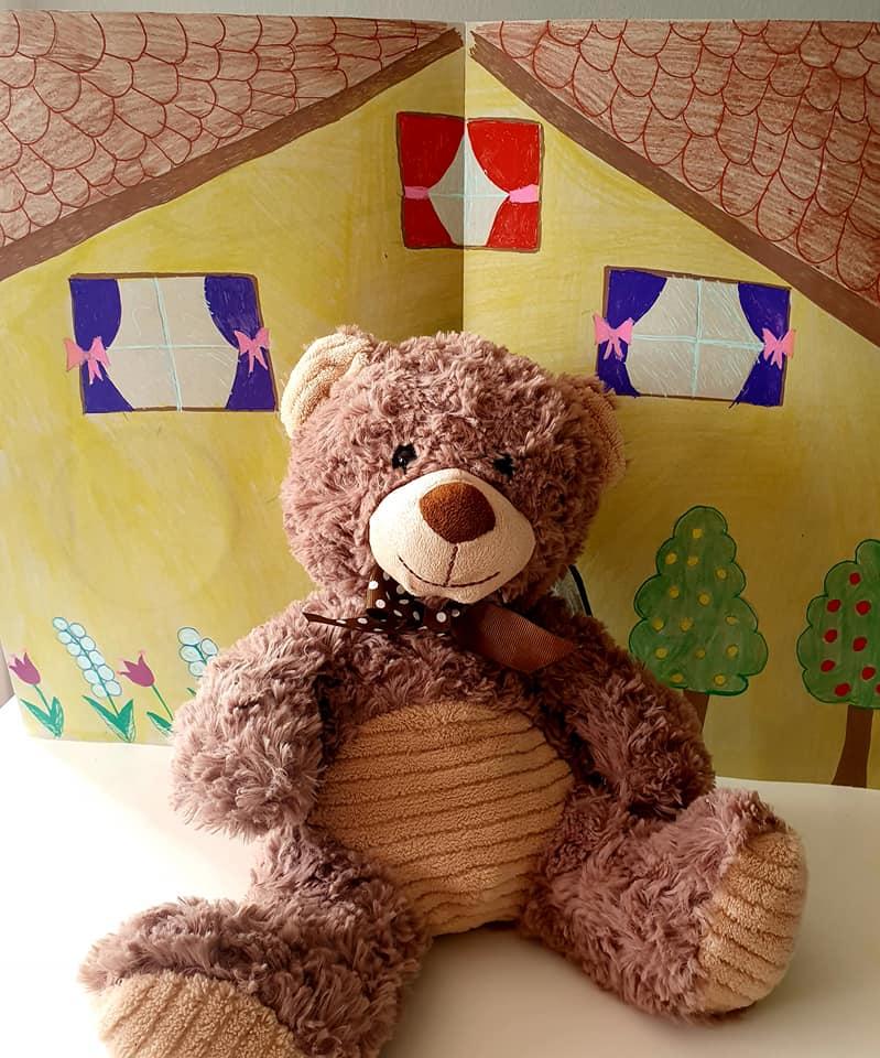 Es war einmal ein alter Bär. Er lebte allein in seinem Haus.