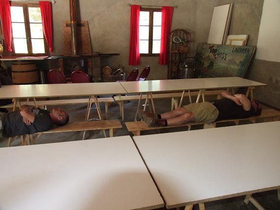 Alain et Pilou au repos , après une série de Taloas !