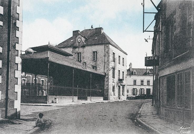 L'ancienne mairie et les halles Baltard