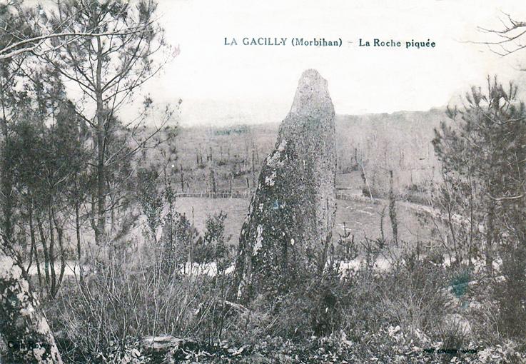 Menhir de la Roche Piquée vers 1950