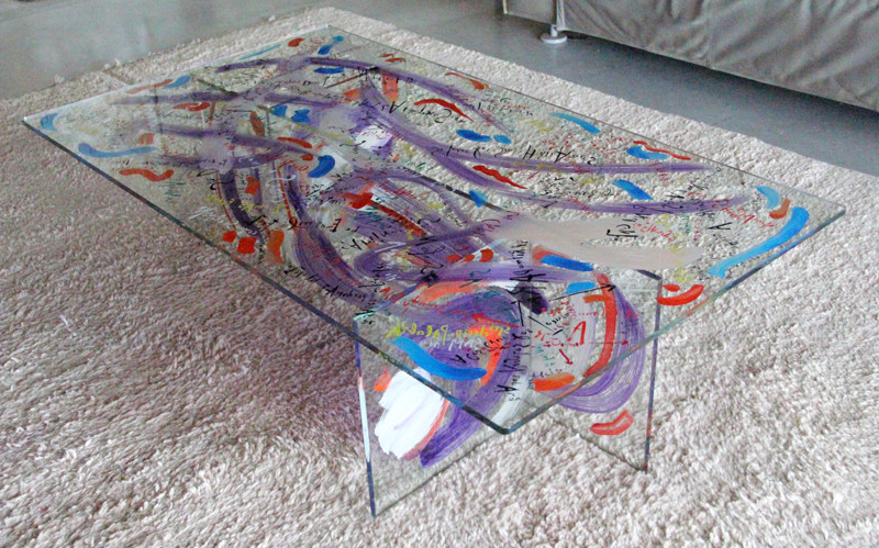 Table - 140 x 80 x 40 cm