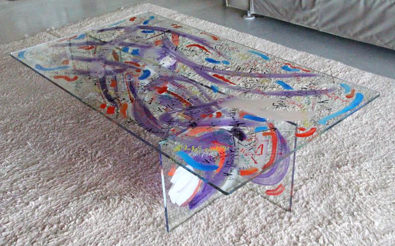 Table - 140 x 80 x 40 cm