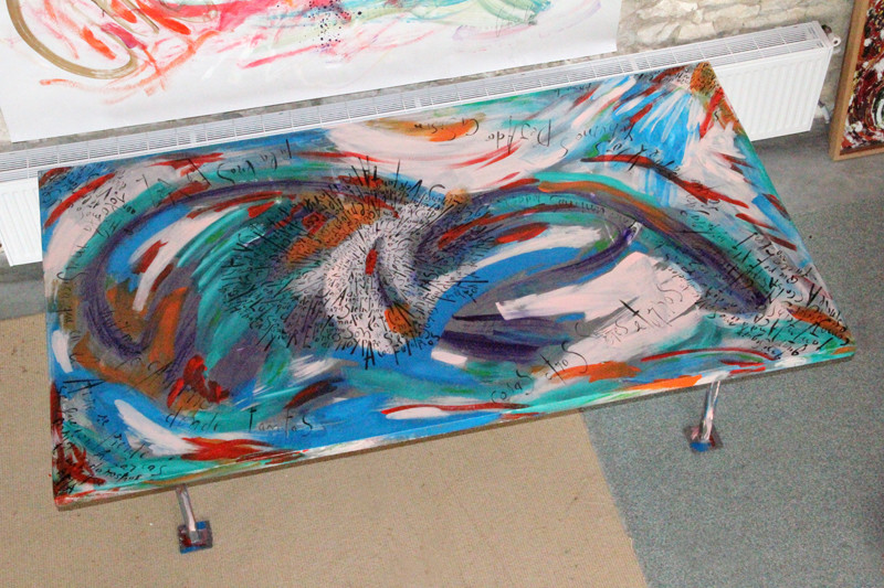 Table - 222 x 125 cm