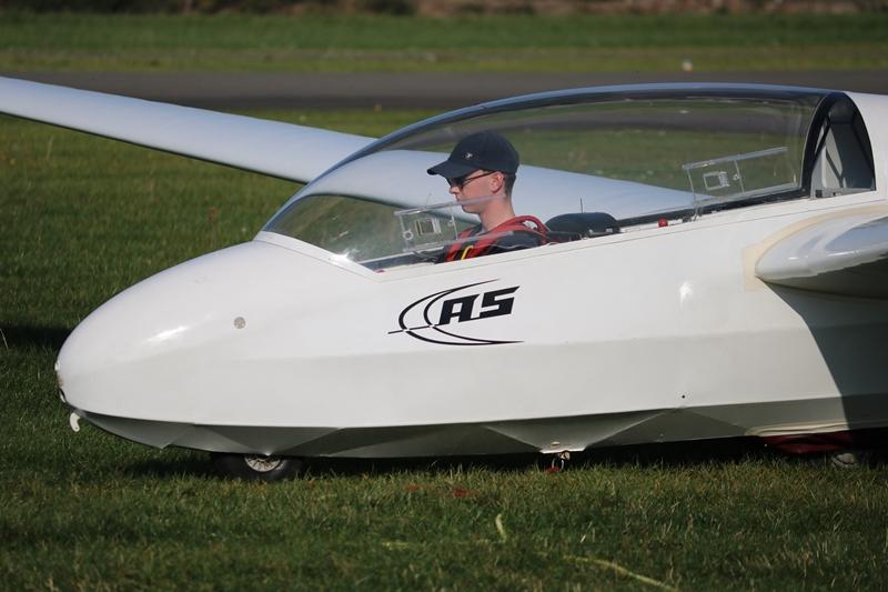 Johannes ohne Fluglehrer in der ASK 13