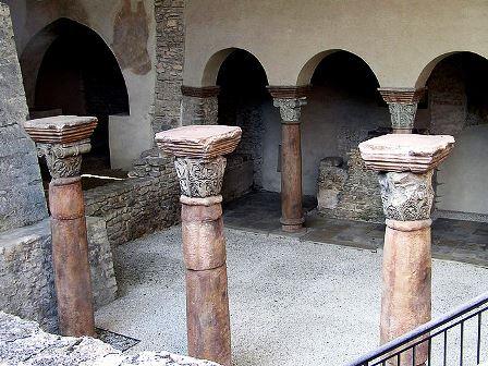 Solabasilika, © Wikimedia, KBWEi, CC-BY-SA 3.0
