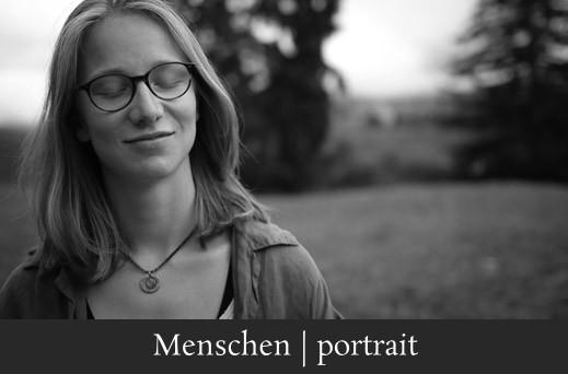 Menschen portrait - Authentische Fotografie einer gelassenen Frau