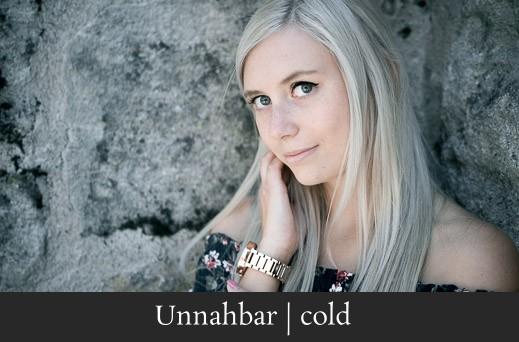 Unnahbar cold - Authentisches Portrait einer jungen Frau in Frochheim