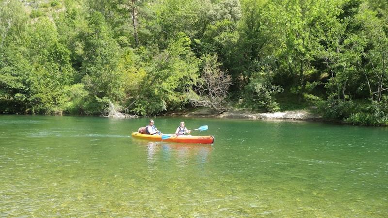 Promenade en canoë dans les Gorges du Tarn, proche de Sainte Enimie