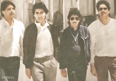 Los Chichos en 1985 - Graban la BSO de YO, EL VAQUILLA  (En Medio Juan José Moreno Cuenca junto a Los Chichos paseando en Ocaña1 (Toledo)