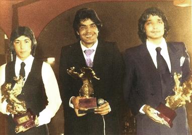 LOS CHICHOS posan con los premios GINEBRA 1981