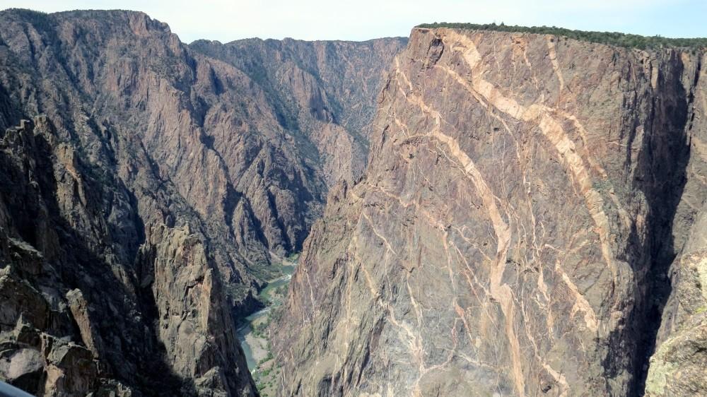 Die Steilwände sind über 800 m hoch