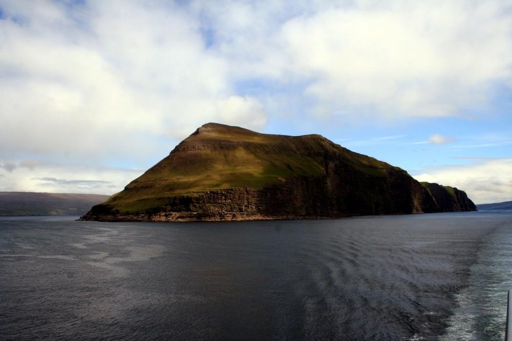 Weiter geht's durch die Inselwelt der Faroer...